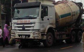 Tin nhanh - Hà Nội: Xe bồn va chạm xe máy, 2 người tử vong