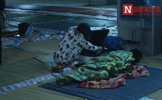 Mới- nóng - Clip: Người dân chung cư Carina chưa được về nhà, vẫn ngủ tạm bợ