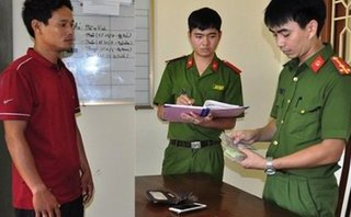 Pháp luật - Ninh Bình: Bắt đối tượng lừa nhiều cô gái vào nhà nghỉ chụp ảnh 'nóng'