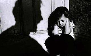 Pháp luật - Sơn La:Điều tra vụ  nữ sinh lớp 7 bị 4 thanh niên hiếp dâm tập thể tại nhà
