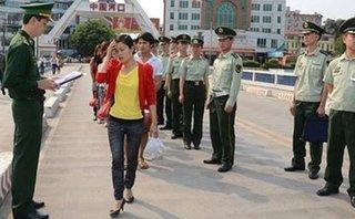 An ninh - Hình sự - 7  thiếu nữ bị bán sang Trung Quốc được trở về Việt Nam