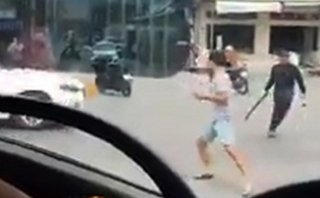 An ninh - Hình sự - Hà Nội: Điều tra vụ tài xế xe tải bị truy sát sau khi va chạm giao thông
