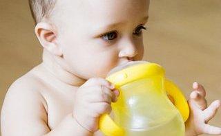 Nhịp sống - Dinh dưỡng giúp phòng bệnh táo bón ở trẻ