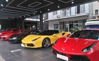Xe++ - Dàn siêu xe trăm tỷ 'xông đất' showroom 'khủng' tại Sài Gòn