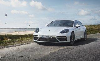 Xe++ - Giá 4,3 tỷ đồng, Porsche Panamera Turbo S E-Hybrid Sport Turismo có gì?