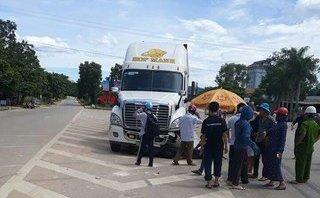 Pháp luật - 2 người đàn ông chết thảm dưới bánh xe container