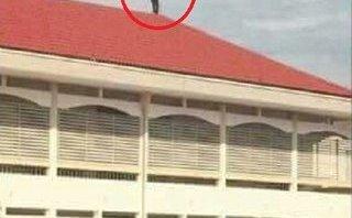 Chính trị - Xã hội - Sự thật nam sinh định nhảy từ mái nhà đại học Vinh tự tử