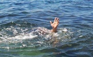 Chính trị - Xã hội - Lội xuống đập nhặt bóng, 2 em nhỏ đuối nước thương tâm