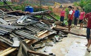 Tin nhanh - Lốc xoáy làm sập 2 ngôi nhà, 58 ngôi nhà khác bị tốc mái