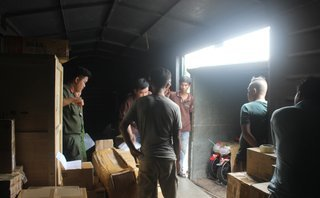 Pháp luật - Bình Dương: Phát hiện nhiều hàng hoá nghi nhập lậu trong toa tàu