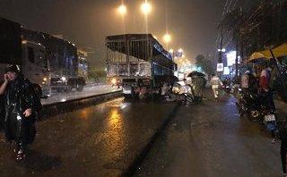 Chính trị - Xã hội - Trượt bánh xe, một cô gái bị xe tải cán tử vong