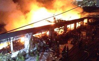 Chính trị - Xã hội - TP.HCM: Đang cháy lớn một công ty vải gần khu công nghiệp