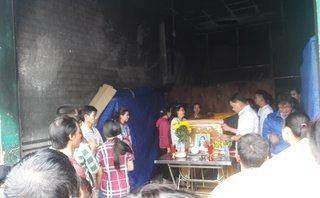 Mới- nóng - Clip: Hiện trường vụ cháy ki-ốt khiến cả gia đình thương vong