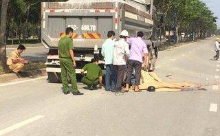 Tin nhanh - TP.HCM: Hai nam thanh niên tử vong sau va chạm với xe ben