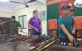 An ninh - Hình sự - Bắt đối tượng mua bán vũ khí sát thương, công cụ hỗ trợ