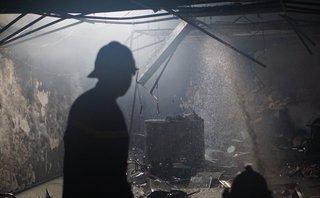 Tin nhanh - Công ty bảo hiểm cháy tan hoang ngày 26 Tết