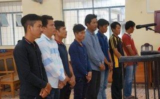 Pháp luật - 8 bị cáo trong vụ án trộm sò huyết ở Cà Mau đều không biết chữ