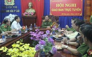 Tin nhanh - Tổng Cục Trưởng tổng cục Cảnh sát thăm trại giam Đắk P'lao