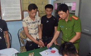 An ninh - Hình sự - Huế: Bắt nam thanh niên tàng trữ 200 viên ma túy tổng hợp