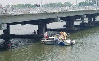 Tin nhanh - Huế: Nghi vấn cha ôm con lao xuống sông Hương tự tử
