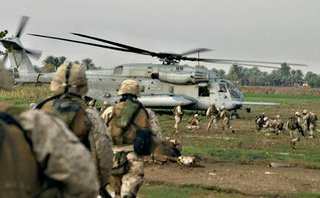 """Thế giới - Đằng sau cáo buộc trực thăng Mỹ """"giải thoát"""" 20 chỉ huy IS khỏi Deir ez-Zor vào phút 89"""