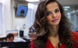 Tiêu điểm - Nữ phát ngôn viên mới của Bộ trưởng Quốc phòng Nga 'gây sốt' mạng xã hội