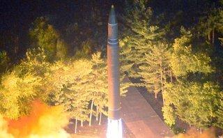 """Quân sự - Nghị sĩ Nga nêu lý do Triều Tiên phóng tên lửa """"bay cao chưa từng có"""""""