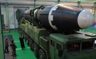 """Quân sự - Dự báo diễn biến sau vụ thử tên lửa """"sức mạnh khủng khiếp"""" của Triều Tiên"""