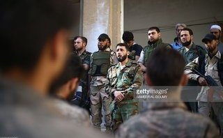 Quân sự - Sắp thất bại ở Ghouta, phiến quân Syria quay sang 'cắn xé' nhau