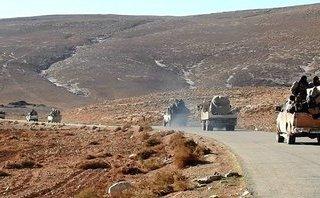 """Quân sự - Syria: IS lợi dụng """"mưa tên lửa"""" ở căn cứ T-4, tiếp tục tấn công Homs"""