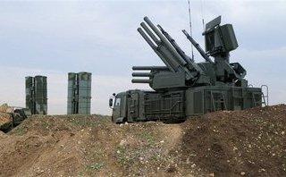 Quân sự - Syria vừa đánh chặn 12 tên lửa phóng vào căn cứ ở Damascus, Homs