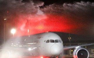 Tiêu điểm - [Video] Máy bay Ấn Độ rụng cửa khi bay qua vùng nhiễu động