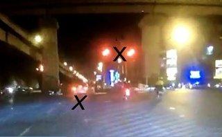 Video - Clip: Ô tô 'điên' vượt đèn đỏ gây tai nạn chết người