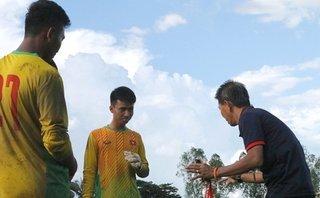 'Thảm họa' thủ môn bóng đá Việt Nam: Lỗi không chỉ của cầu thủ?