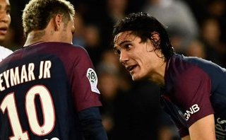 Người trong cuộc lên tiếng vụ giành đá penalty giữa Cavani và Neymar