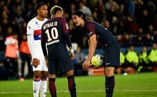"""Neymar ra """"tối hậu thư"""" cho PSG: Tạm biệt nhé, Cavani!"""