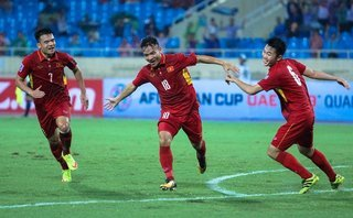 Thể thao - 'Tướng' Chung tặng quà, HLV Park Hang-seo gật gù