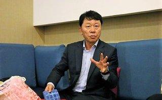 HLV Chung Hea-seong: Là GĐKT, kiêm luôn trách nhiệm của HLV trưởng
