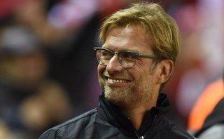 Klopp phải bật cười trước sai lầm ngớ ngẩn của hàng thủ Liverpool
