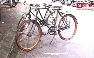 Mới- nóng - Clip: Xe đạp vành gỗ hơn 100 năm tuổi ở Hà Nội