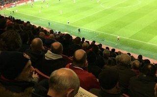 Bóng đá Quốc tế - Arsenal may mắn giành vé đi tiếp ngày CĐV đến sân để... chơi Sudoku