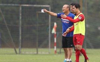 Bóng đá Việt Nam - Công Phượng làm Joker, HLV Park Hang-seo đang thể hiện sở trường