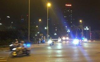 Mới- nóng - Clip: Cận cảnh đoàn xe Tổng thống Trump từ Nội Bài về khách sạn Metropole