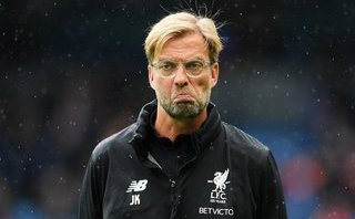 Klopp nhập viện khẩn, bỏ lỡ buổi tập của Liverpool