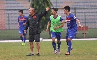 Bóng đá Việt Nam - HLV Park Hang-seo đi học để dạy được học trò