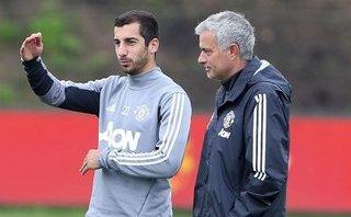 """Mourinho áp dụng """"cây gậy và củ cà rốt"""" với Mkhitaryan"""