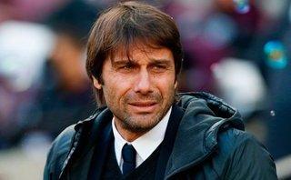 """Chelsea bại trận, Conte """"giơ cờ trắng"""" trong ngày thảm họa của Bakayoko"""
