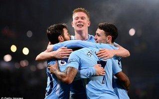 Tottenham trao chiến thắng, Man City ngạo nghễ trên đỉnh Premier League
