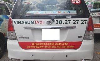 Tiêu dùng & Dư luận - Taxi dán khẩu hiệu phản đối Uber, Grab: Bộ Công Thương vào cuộc