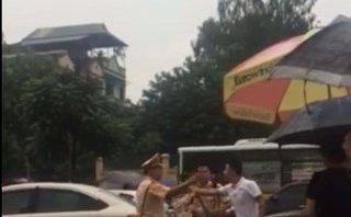 Pháp luật - Hà Nội: Tạm giữ hình sự tài xế dùng gậy golf 2 lần tấn công CSGT